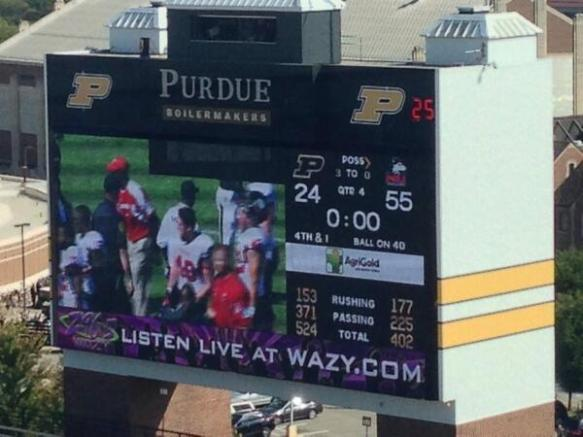 Can you tell which team on the scoreboard is from the Big Ten and which one is from the MAC? For Purdue fans that question must kill them.